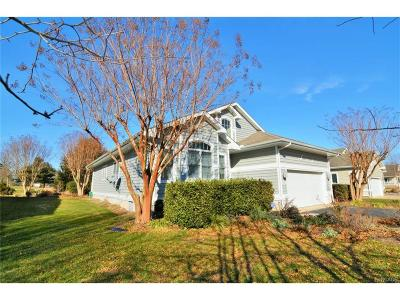 Single Family Home For Sale: 312 Walkabout