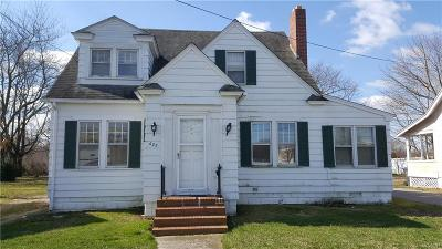 Milford Single Family Home For Sale: 622 NW Front Street