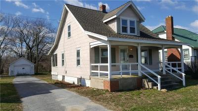 Milford Single Family Home For Sale: 624 NW Front Street