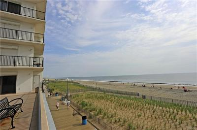 Rehoboth Beach Condo/Townhouse For Sale: 527 Boardwalk #617