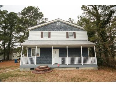 Single Family Home For Sale: 110 Webb Avenue