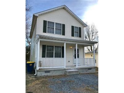 Single Family Home For Sale: 116 Jackson St.