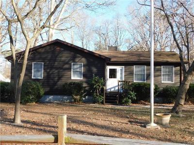 Single Family Home For Sale: 33939 Hiawatha