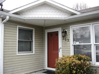 Single Family Home For Sale: 213 Magnolia Drive