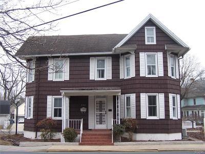 Laurel Single Family Home For Sale: 230 E Market Street