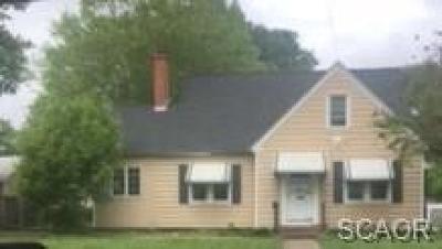 Single Family Home For Sale: 709 E Market Street