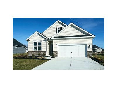 Milton Single Family Home Active w/Kick-out: 16270 Ashlar Loop #33