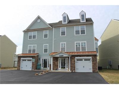 Millville Condo/Townhouse For Sale: 45 Docs Place