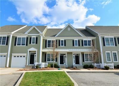 Condo/Townhouse For Sale: 18857 Bethpage Drive