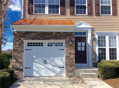 Condo/Townhouse For Sale: 10072 Iron Pointe Dr. Ext.