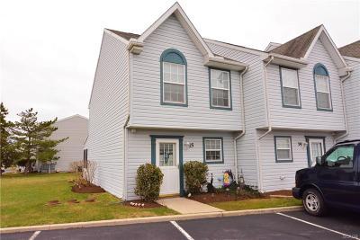 Condo/Townhouse For Sale: 38332 Foxfire Drive #15