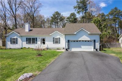 Single Family Home For Sale: 124 Deer Run