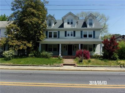 Single Family Home For Sale: 209 S Bedford