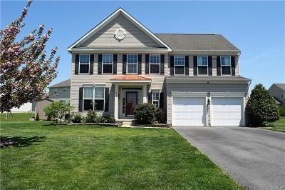 Milford Single Family Home For Sale: 8 Windy Drive
