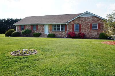Seaford Single Family Home For Sale: 21704 Maple Dr