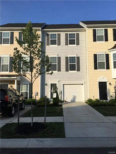 Condo/Townhouse For Sale: 20940 Brunswick Lane