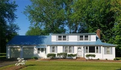 Single Family Home For Sale: 637 Bedford