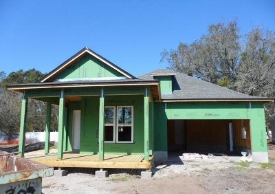 Fernandina Beach Single Family Home For Sale: 1561 Coastal Oaks Circle