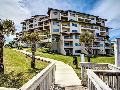 Fernandina Beach Condo/Townhouse For Sale: 207/208 Sandcastles Court #207/208