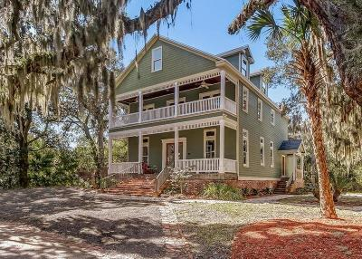 Fernandina Beach Single Family Home For Sale: 103 S 10th Street