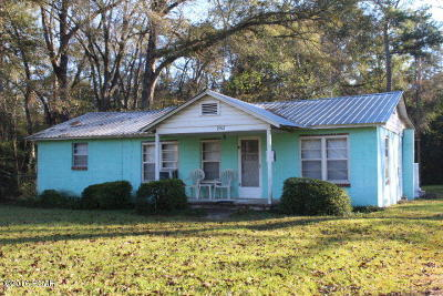 Jackson County Single Family Home For Sale: 2902 Friend Street