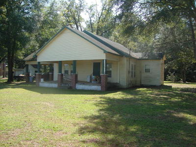 Holmes County Single Family Home For Sale: 1304 Metcalf Road