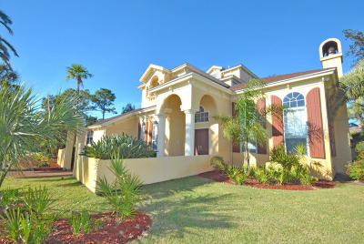 Single Family Home For Sale: 8210 Palm Cove Boulevard