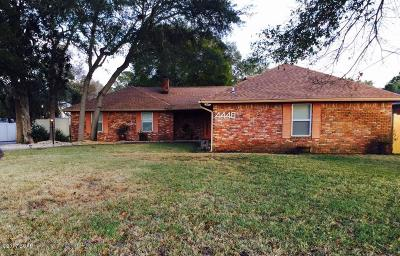 Single Family Home For Sale: 4440 Baywood Drive