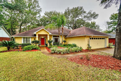 Lynn Haven Single Family Home For Sale: 3415 Country Club Court