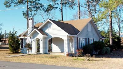 Calhoun County Single Family Home For Sale: 20610 NW Folsom Avenue