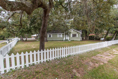 Lynn Haven Single Family Home For Sale: 102 W 4th Street