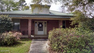 Holmes County Single Family Home For Sale: 611 S Depot Street