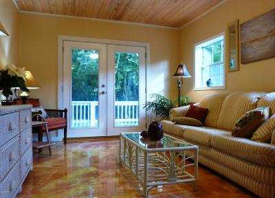 Single Family Home For Sale: 210 W Lakeshore Drive
