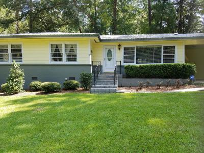 Jackson County Single Family Home For Sale: 2958 Dogwood Street