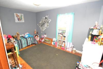 Jackson County Single Family Home For Sale: 5437 Thomas Drive