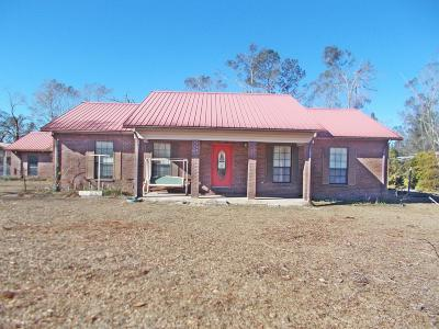 Jackson County Single Family Home For Sale: 4075 Whispering Pines Circle