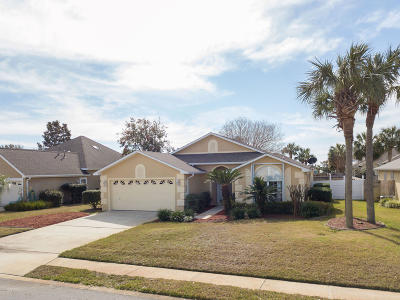 Single Family Home For Sale: 112 Bimini Court