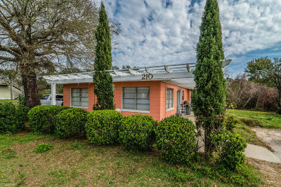 Single Family Home For Sale: 212 Deluna Place