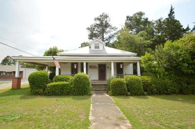 Jackson County Single Family Home For Sale: 5367 Cotton Street
