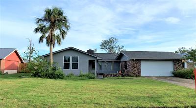 Single Family Home For Sale: 137 Derby Woods Drive