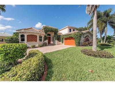 Cape Coral Single Family Home For Sale: 5502 Merlyn Ln