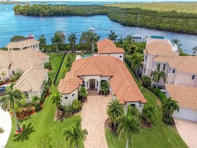 Cape Coral Single Family Home For Sale: 6112 Tarpon Estates Blvd