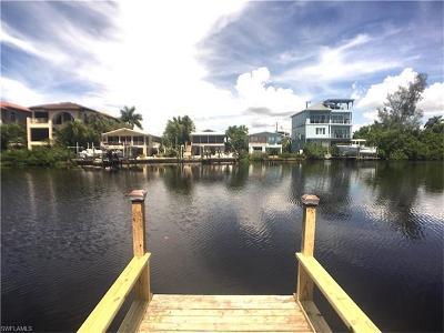 Bonita Beach Single Family Home For Sale: 27733 Hickory Blvd