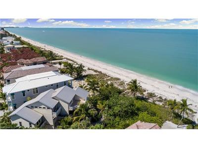 Bonita Springs Single Family Home For Sale: 26836 Hickory Blvd
