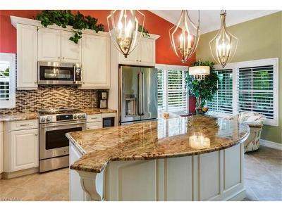 Bonita Springs Condo/Townhouse For Sale: 24760 Lakemont Cove Ln #201