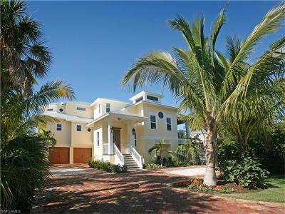 Fort Myers Beach Single Family Home For Sale: 290 Dundee Rd