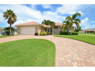 Cape Coral Single Family Home For Sale: 2715 SW 32nd St