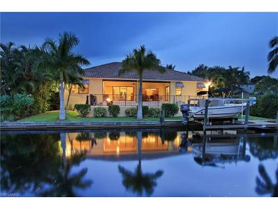 Bonita Springs Single Family Home For Sale: 27110 Del Ln