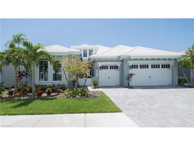 Collier County Single Family Home For Sale: 6427 Pembroke Way