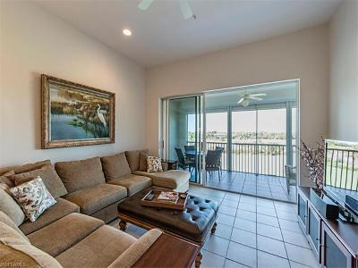 Bonita Springs Condo/Townhouse For Sale: 4120 Bayhead Dr #302